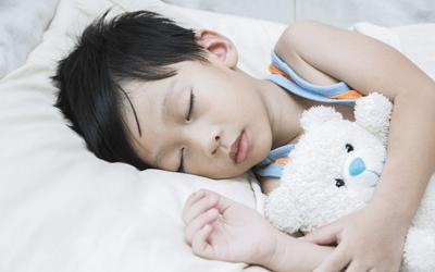 小学生の小児患者への看護