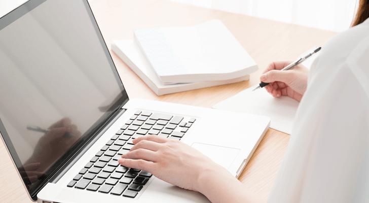 看護師が転職する際の必要書類