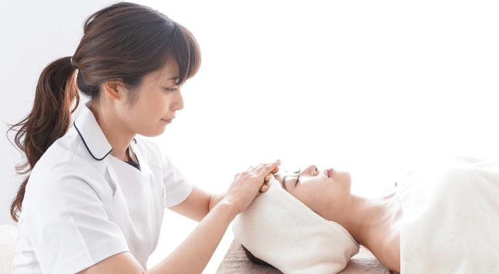 美容皮膚科看護師の仕事内容