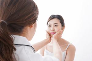 美容皮膚科の看護師に転職希望する場合に必要な知識と注意点