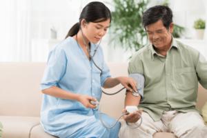住宅型有料老人ホームで働く看護師の役割と仕事内容