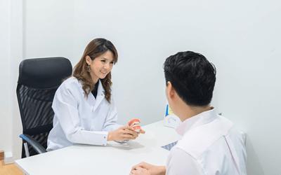 健康問題を抱える従業員との個人面接