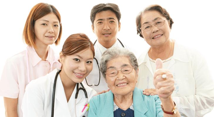 回復期リハビリテーション病棟で働いた看護師4名の仕事内容・やりがい体験談