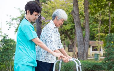 患者のADL介助・安全確保