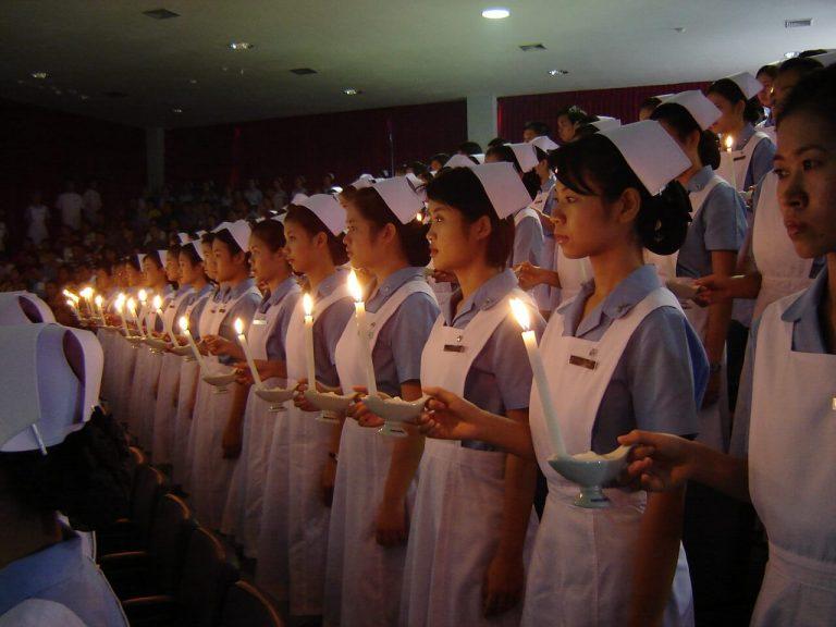 看護師の戴帽式