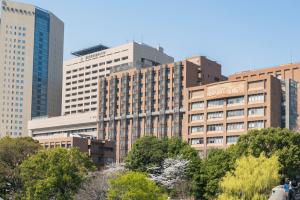 大学病院で働く看護師の給料・年収・昇給事情を解説